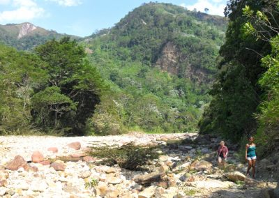 Walking to Huacamaillo Waterfall