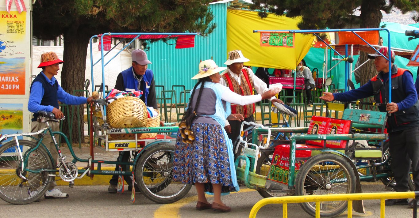 Puno travel guide: Colors of Puno