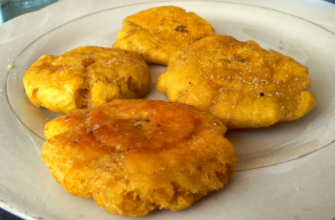 Peruvian vegetarian dish patacones