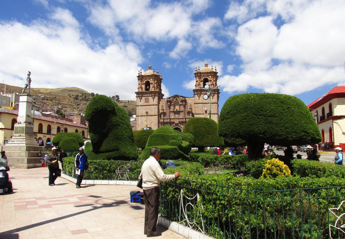 Puno Travel Guide: Plaza de Armas