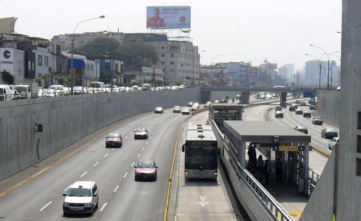 Public transport in Peru: Lima Metropolitano