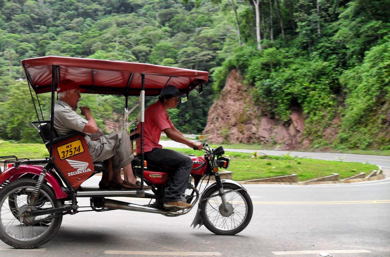 Public transport in Peru: Mototaxi