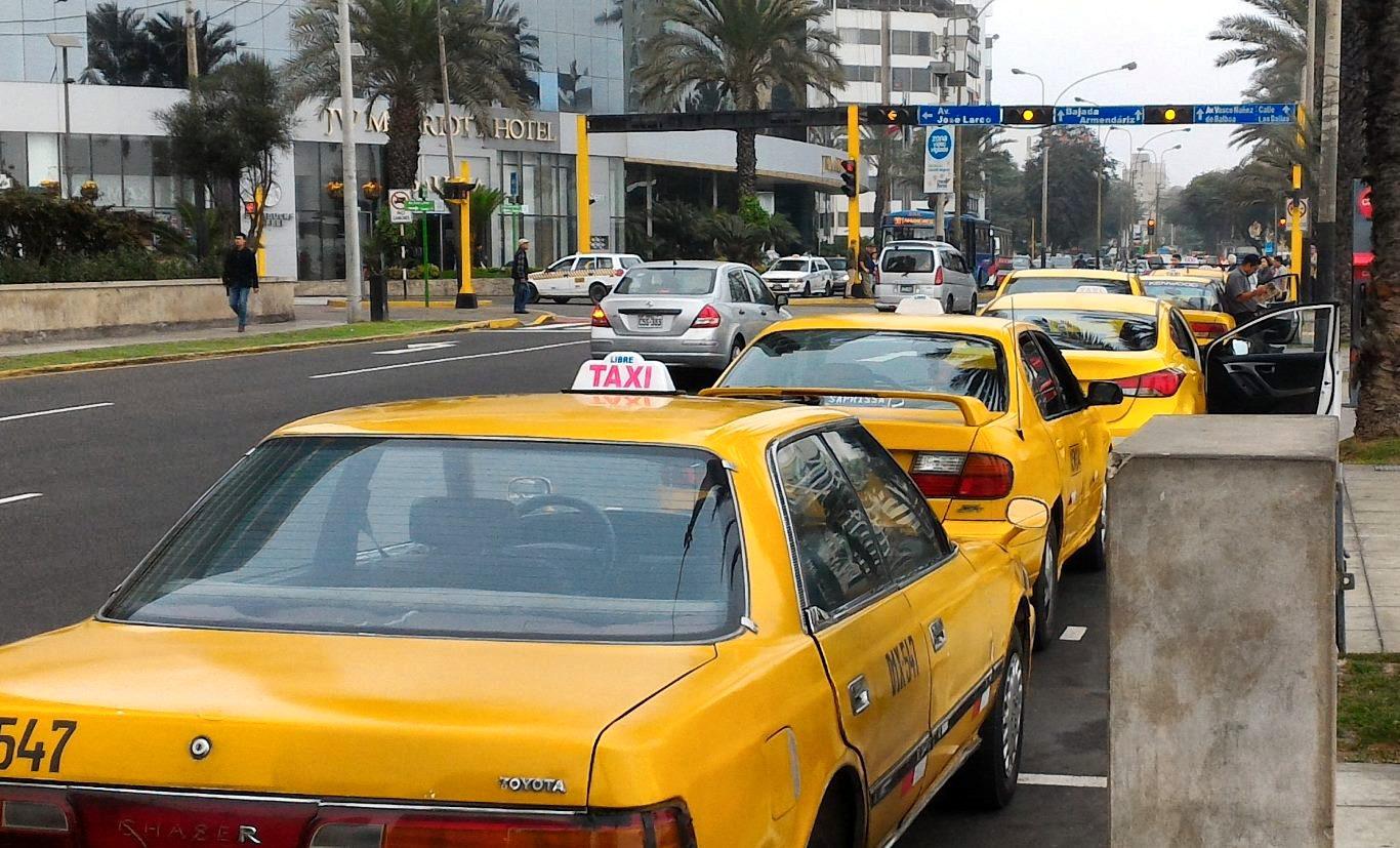 A taxi rank in Peru