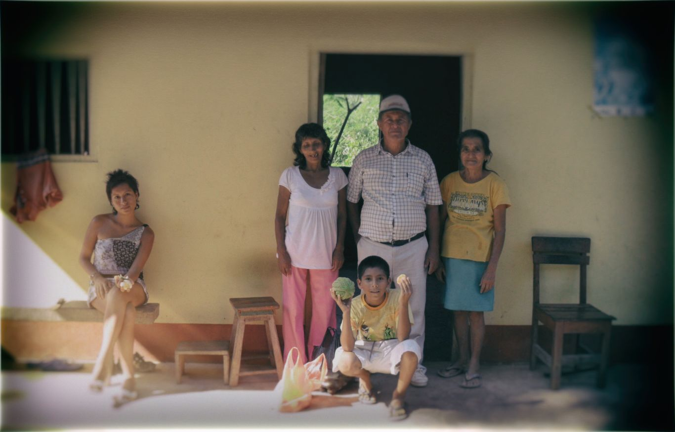 A Peruvian family in the northern jungle region of Peru