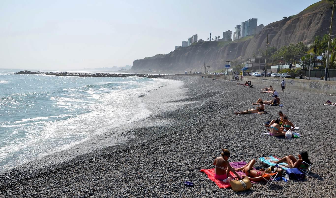 Beach dress code in Peru