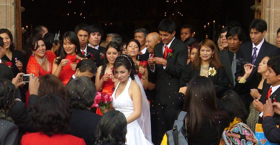 Wedding dress code in Peru