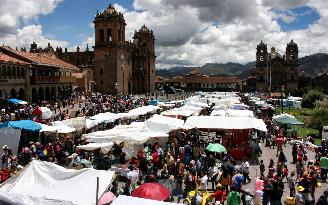 Santurantikuy, Christmas in Peru